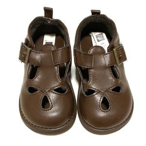Gap brown Mary Jane clogs with buckle & laser cut